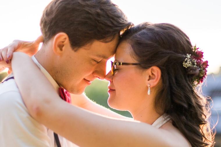Hochzeit,Hochzeitsfotograf,München,Ebersberg,Burghausen,Brautpaar,Hochzeitsfeier,GettingReady,FirstLook,Paarshoot,Sunset,Bayern,Brautpaar-151