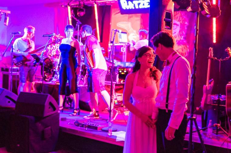 Hochzeit,Hochzeitsfotograf,München,Ebersberg,Burghausen,Brautpaar,Hochzeitsfeier,GettingReady,FirstLook,Paarshoot,Sunset,Bayern,Brautpaar-159