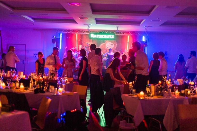 Hochzeit,Hochzeitsfotograf,München,Ebersberg,Burghausen,Brautpaar,Hochzeitsfeier,GettingReady,FirstLook,Paarshoot,Sunset,Bayern,Brautpaar-162