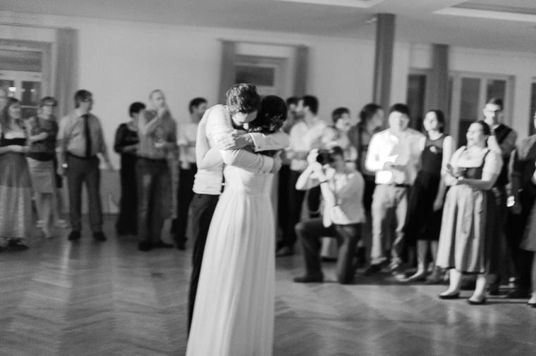 Hochzeit,Hochzeitsfotograf,München,Ebersberg,Burghausen,Brautpaar,Hochzeitsfeier,GettingReady,FirstLook,Paarshoot,Sunset,Bayern,Brautpaar-164