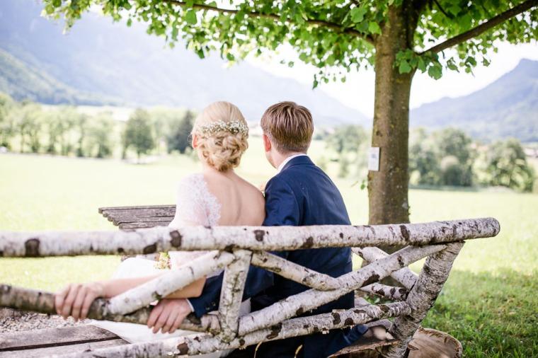 Hochzeit, Bayern, Muenchen, Hochzeitsfotograf, Brautpaar, Brautstrauß, Ebersberg, Burghausen, Altoetting, Chiemsee, Aiterbach, Getting Ready, Aschau, Chiemgau, Hochzeitsfeier-109