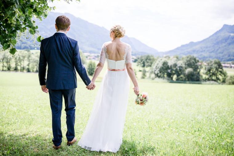 Hochzeit, Bayern, Muenchen, Hochzeitsfotograf, Brautpaar, Brautstrauß, Ebersberg, Burghausen, Altoetting, Chiemsee, Aiterbach, Getting Ready, Aschau, Chiemgau, Hochzeitsfeier-121
