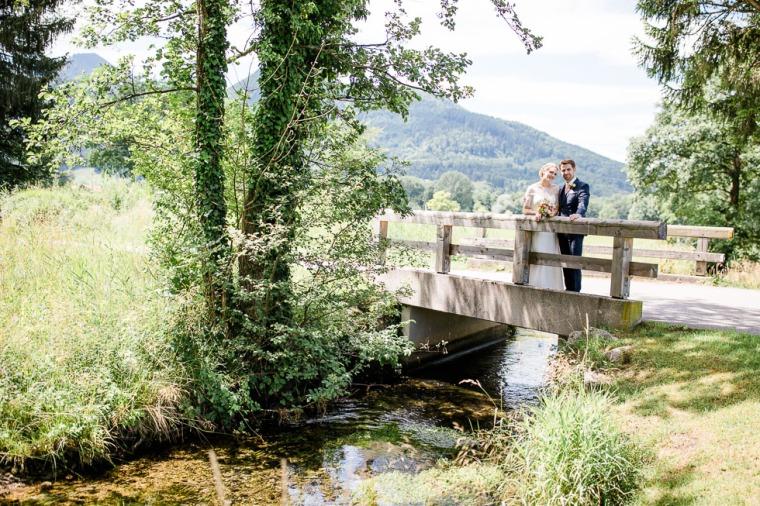 Hochzeit, Bayern, Muenchen, Hochzeitsfotograf, Brautpaar, Brautstrauß, Ebersberg, Burghausen, Altoetting, Chiemsee, Aiterbach, Getting Ready, Aschau, Chiemgau, Hochzeitsfeier-122