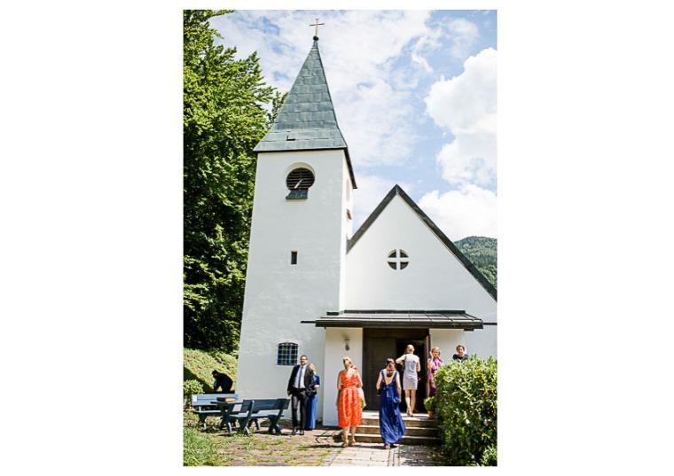 Hochzeit, Bayern, Muenchen, Hochzeitsfotograf, Brautpaar, Brautstrauß, Ebersberg, Burghausen, Altoetting, Chiemsee, Aiterbach, Getting Ready, Aschau, Chiemgau, Hochzeitsfeier-131