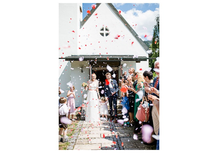 Hochzeit, Bayern, Muenchen, Hochzeitsfotograf, Brautpaar, Brautstrauß, Ebersberg, Burghausen, Altoetting, Chiemsee, Aiterbach, Getting Ready, Aschau, Chiemgau, Hochzeitsfeier-140