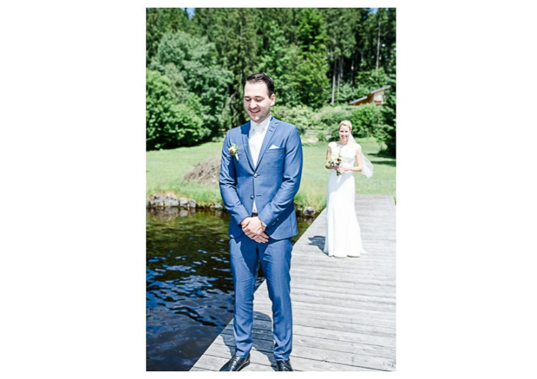 Hochzeit, Bayern, Muenchen, Hochzeitsfotograf, Brautpaar, Brautstrauß, Ebersberg, Burghausen, Altoetting, Hochzeitsfeier, Sachsenkam, Kirchsee, See, First Look, Eheringe-101