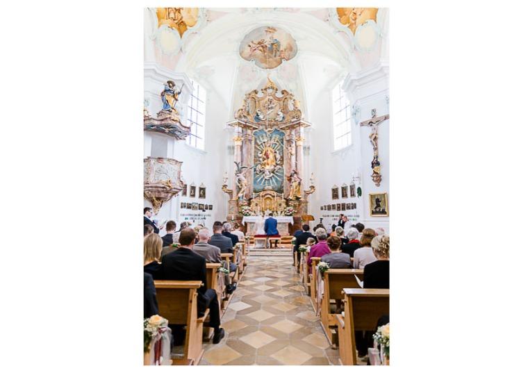 Hochzeit, Bayern, Muenchen, Hochzeitsfotograf, Brautpaar, Brautstrauß, Ebersberg, Burghausen, Altoetting, Hochzeitsfeier, Sachsenkam, Kirchsee, See, First Look, Eheringe-142