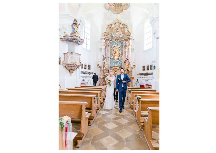 Hochzeit, Bayern, Muenchen, Hochzeitsfotograf, Brautpaar, Brautstrauß, Ebersberg, Burghausen, Altoetting, Hochzeitsfeier, Sachsenkam, Kirchsee, See, First Look, Eheringe-146