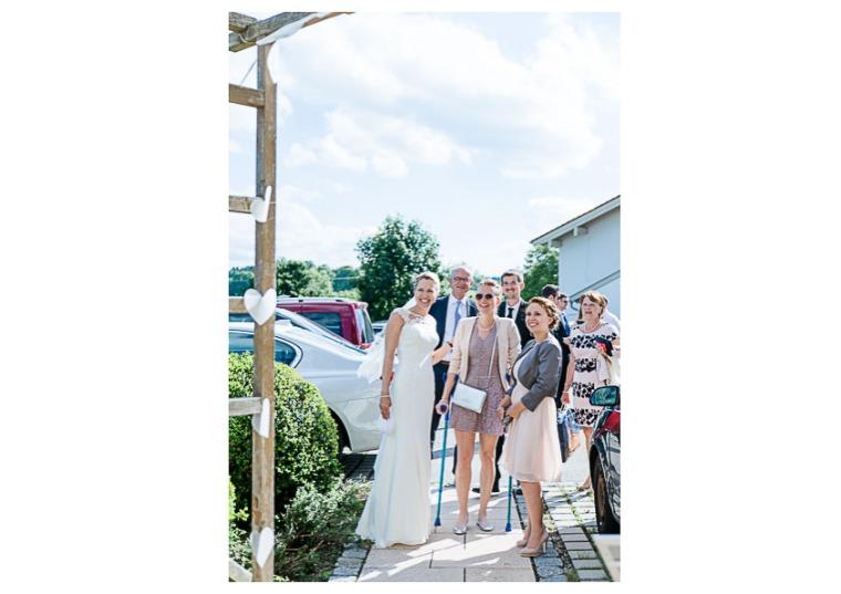 Hochzeit, Bayern, Muenchen, Hochzeitsfotograf, Brautpaar, Brautstrauß, Ebersberg, Burghausen, Altoetting, Hochzeitsfeier, Sachsenkam, Kirchsee, See, First Look, Eheringe-152