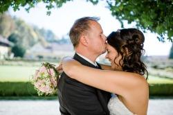 Hochzeit, Bayern, Muenchen, Hochzeitsfotograf, Brautpaar, Brautstrauß, Ebersberg, Burghausen, Altoetting, Schloss, Hochzeitsfeier, Springbrunnen-120