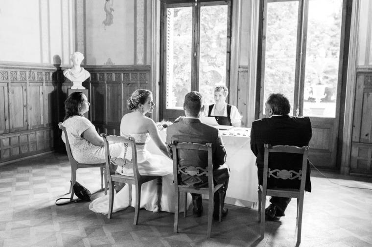 Hochzeit, Bayern, Muenchen, Hochzeitsfotograf, Brautpaar, Brautstrauß, Ebersberg, Burghausen, Starnberg, Starnberger See, Roseninsel, Getting Ready, Hochzeitsfeier-118