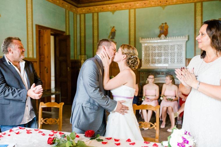 Hochzeit, Bayern, Muenchen, Hochzeitsfotograf, Brautpaar, Brautstrauß, Ebersberg, Burghausen, Starnberg, Starnberger See, Roseninsel, Getting Ready, Hochzeitsfeier-119
