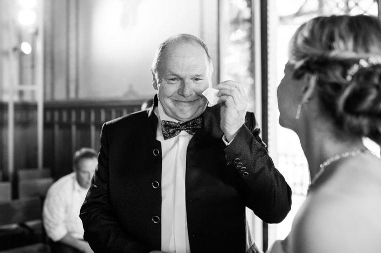 Hochzeit, Bayern, Muenchen, Hochzeitsfotograf, Brautpaar, Brautstrauß, Ebersberg, Burghausen, Starnberg, Starnberger See, Roseninsel, Getting Ready, Hochzeitsfeier-121