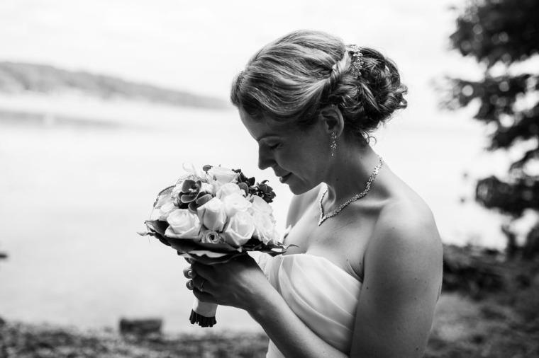 Hochzeit, Bayern, Muenchen, Hochzeitsfotograf, Brautpaar, Brautstrauß, Ebersberg, Burghausen, Starnberg, Starnberger See, Roseninsel, Getting Ready, Hochzeitsfeier-133