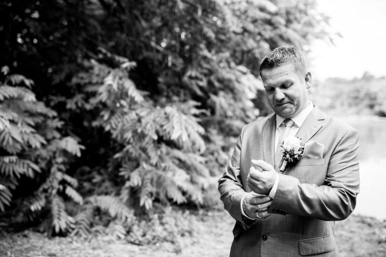 Hochzeit, Bayern, Muenchen, Hochzeitsfotograf, Brautpaar, Brautstrauß, Ebersberg, Burghausen, Starnberg, Starnberger See, Roseninsel, Getting Ready, Hochzeitsfeier-136