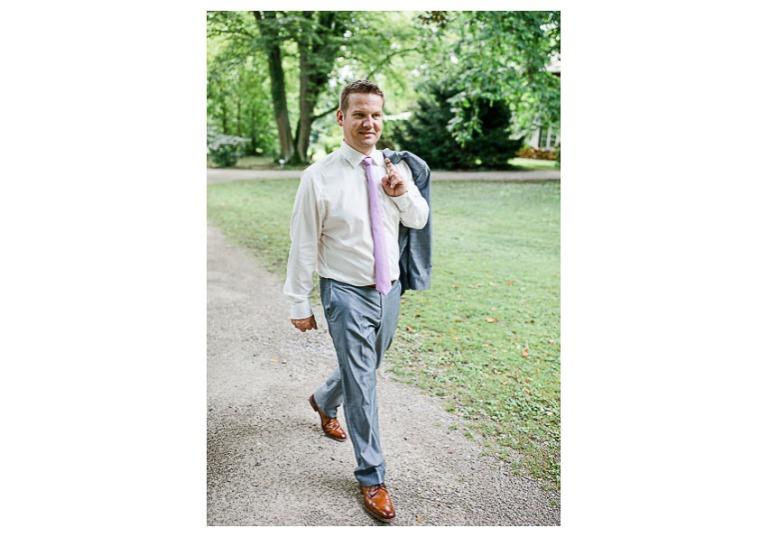 Hochzeit, Bayern, Muenchen, Hochzeitsfotograf, Brautpaar, Brautstrauß, Ebersberg, Burghausen, Starnberg, Starnberger See, Roseninsel, Getting Ready, Hochzeitsfeier-137