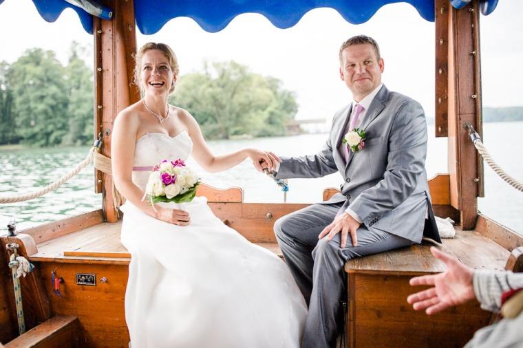 Hochzeit, Bayern, Muenchen, Hochzeitsfotograf, Brautpaar, Brautstrauß, Ebersberg, Burghausen, Starnberg, Starnberger See, Roseninsel, Getting Ready, Hochzeitsfeier-152