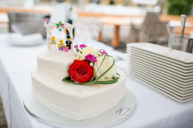 Hochzeit, Bayern, Muenchen, Hochzeitsfotograf, Brautpaar, Brautstrauß, Ebersberg, Burghausen, Starnberg, Starnberger See, Roseninsel, Getting Ready, Hochzeitsfeier-173