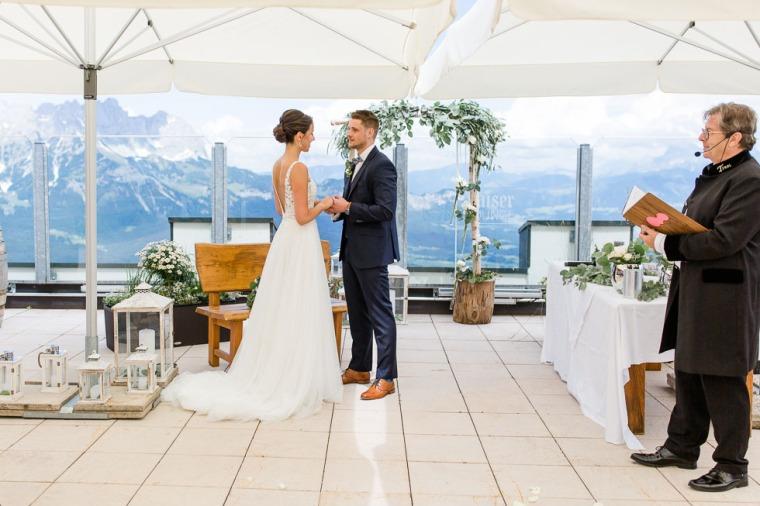 Hochzeit, Bayern, Muenchen, Hochzeitsfotograf, Brautpaar, Burghausen, Berghochzeit, Ellmau, Berge, Alpen-128